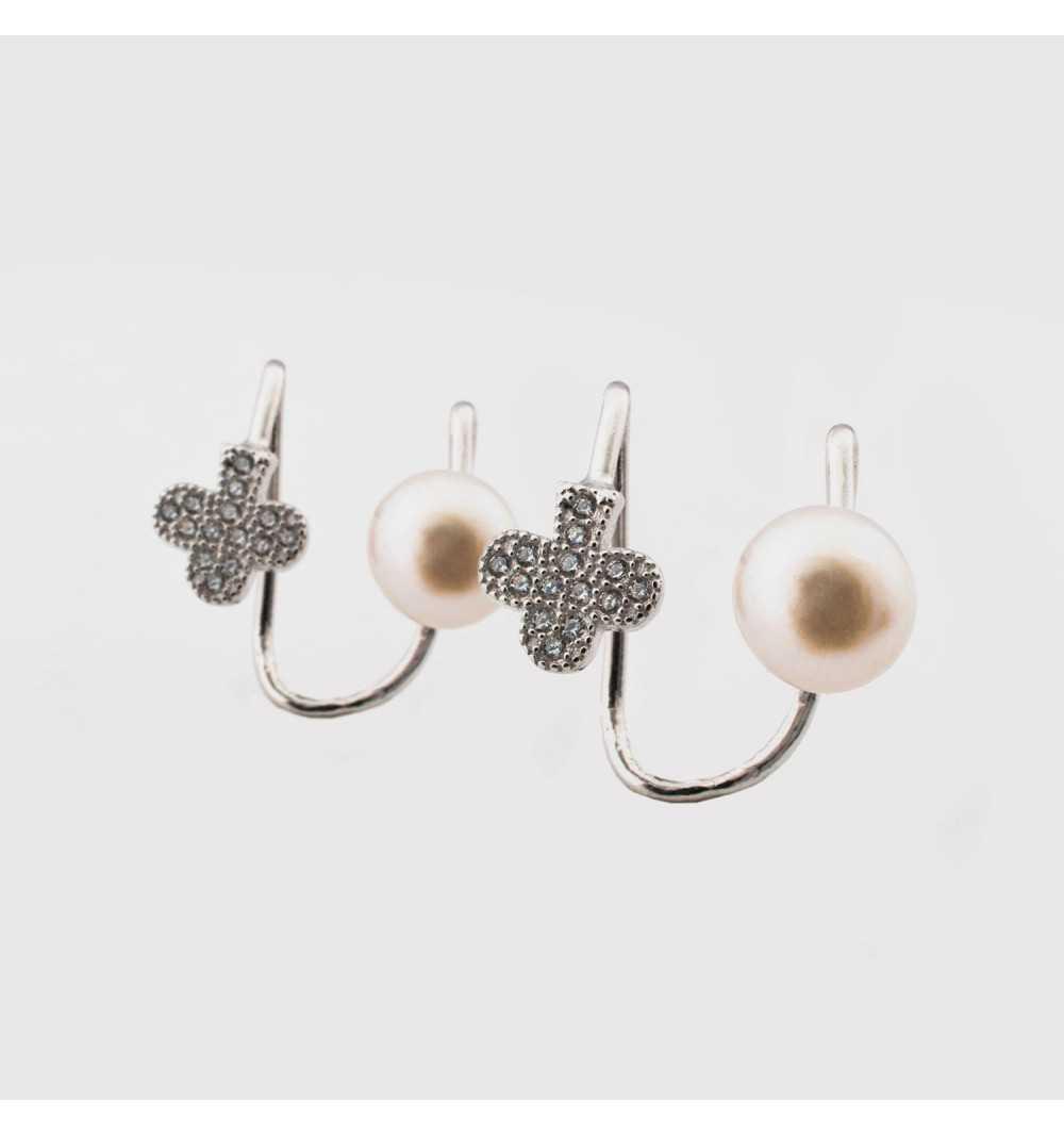Srebrne kolczyki nausznice perła z kwiatuszkiem wysadzanym cyrkoniami