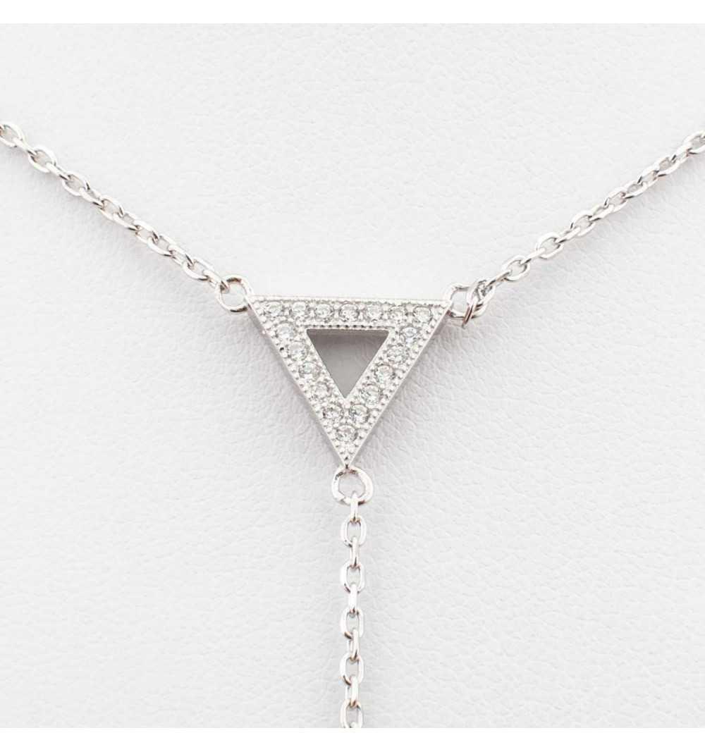 Srebrny naszyjnik z trójkątem wysadzanymi cyrkoniami