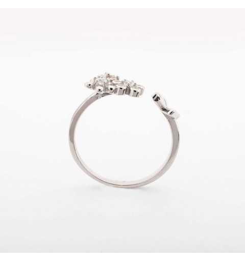Srebrny pierścionek z motylem i kwiatuszkami