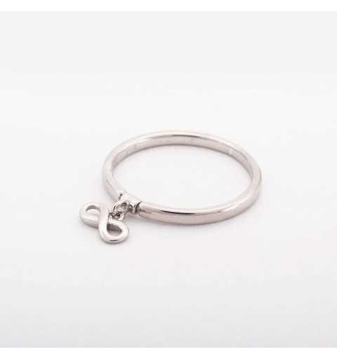 Srebrny pierścionek nieskończoność