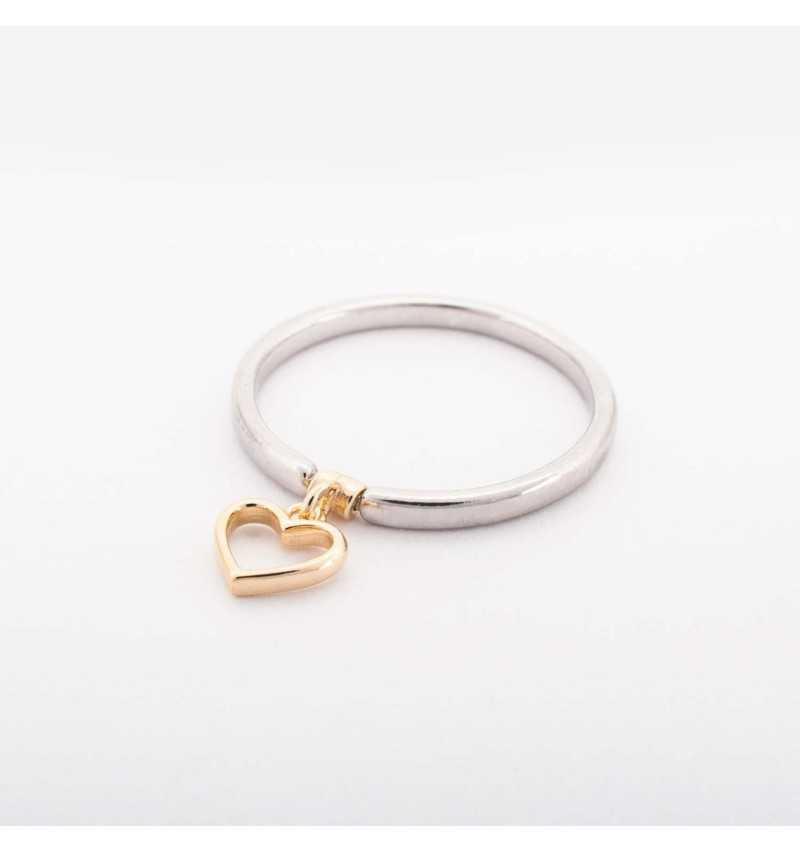 Srebrny pierścionek z pozłacanym charmsem serduszko