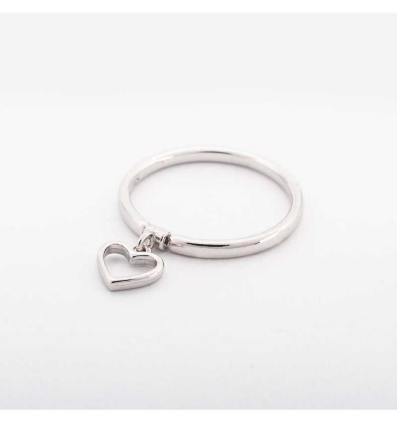 Srebrny pierścionek z charmsem serduszko