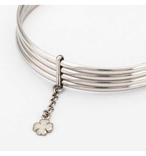 Srebrna sztywna bransoletka z koniczyną