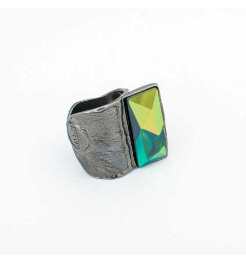 Srebrny pierścionek MOTYLE grafitowy blask (czarny rod) kryształ Swarovskiego SCARABAEUS GREEN