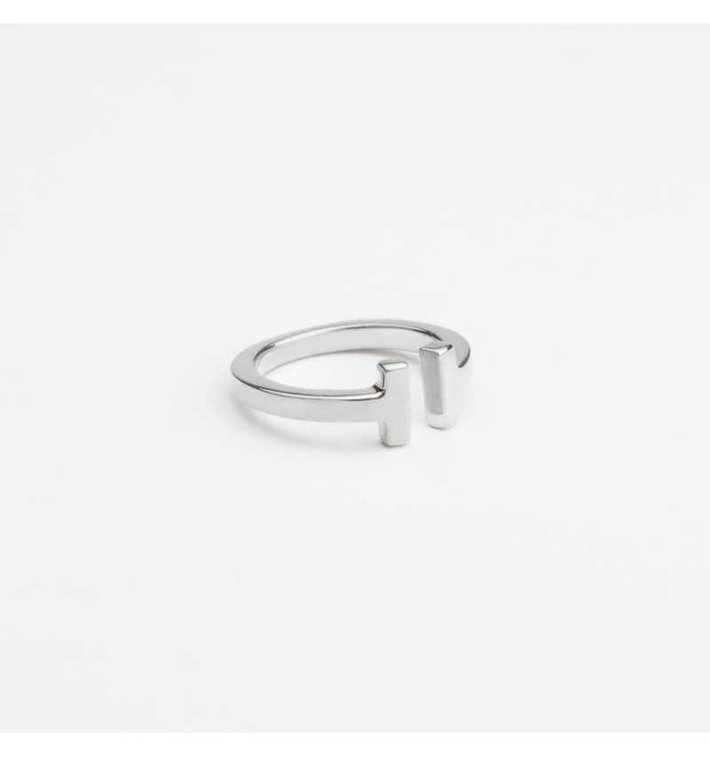Srebrny pierścionek T collection
