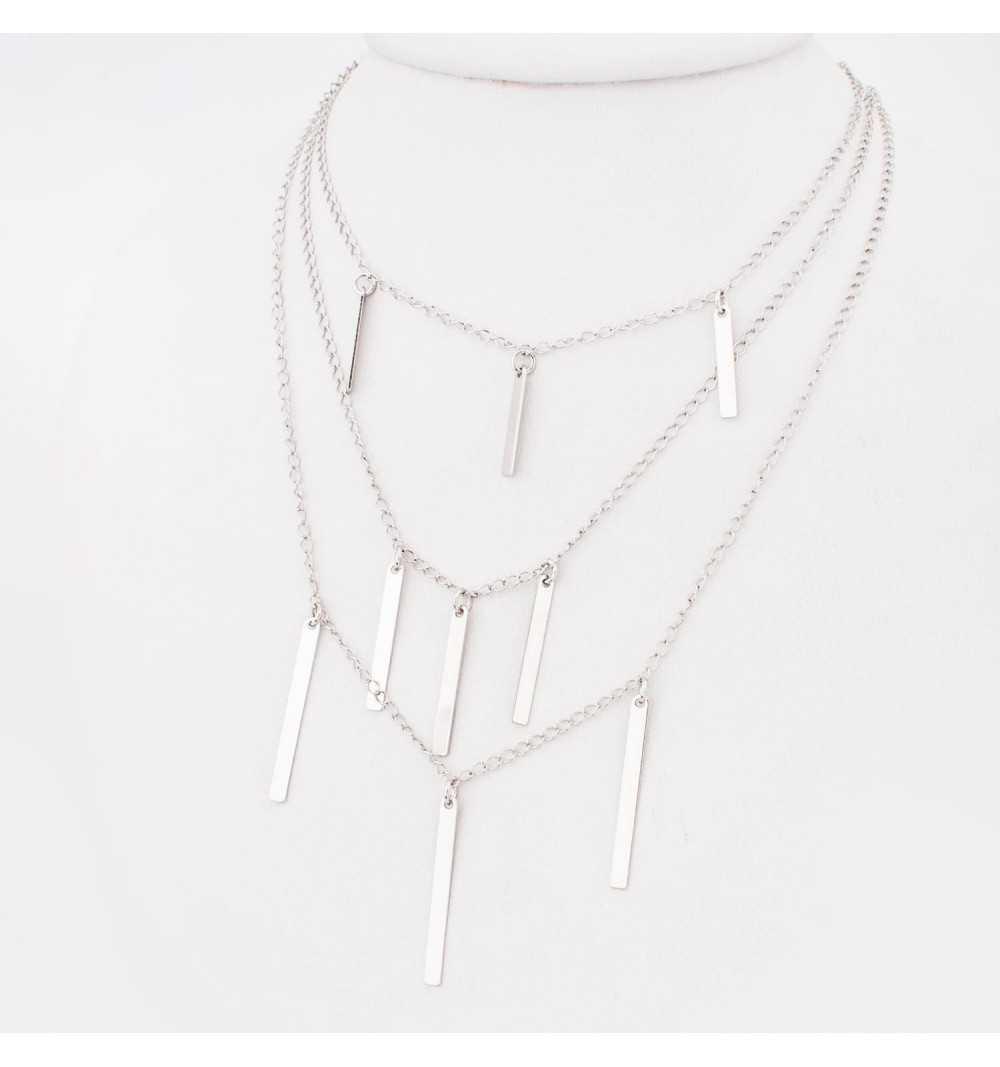 Długi srebrny naszyjnik z trzema rzędami migotających pałeczek