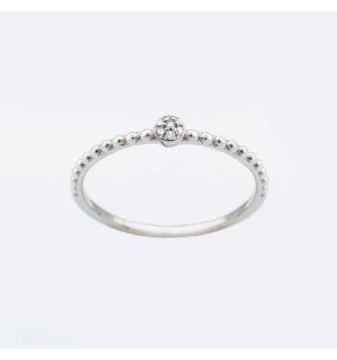 Złoty pierścionek z brylantami