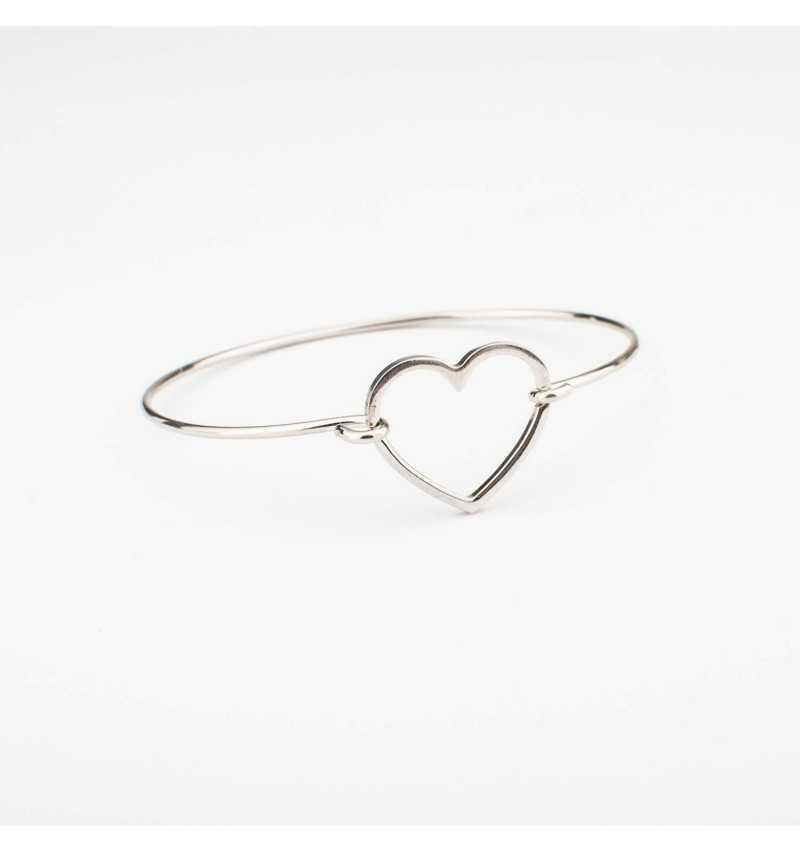 Sztywna srebrna bransoletka z sercem