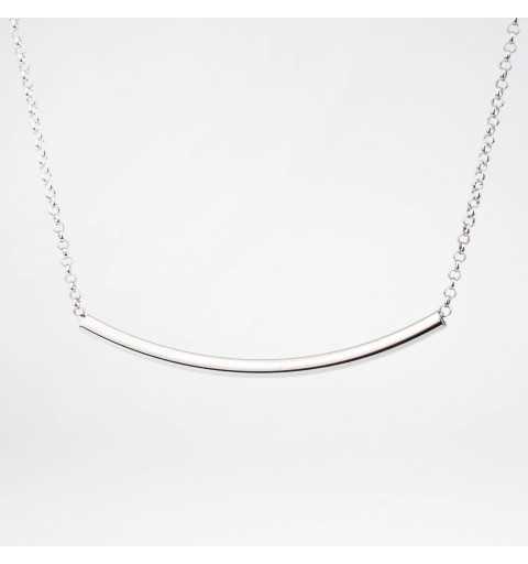 Srebrny naszyjnik z elegancką rurką
