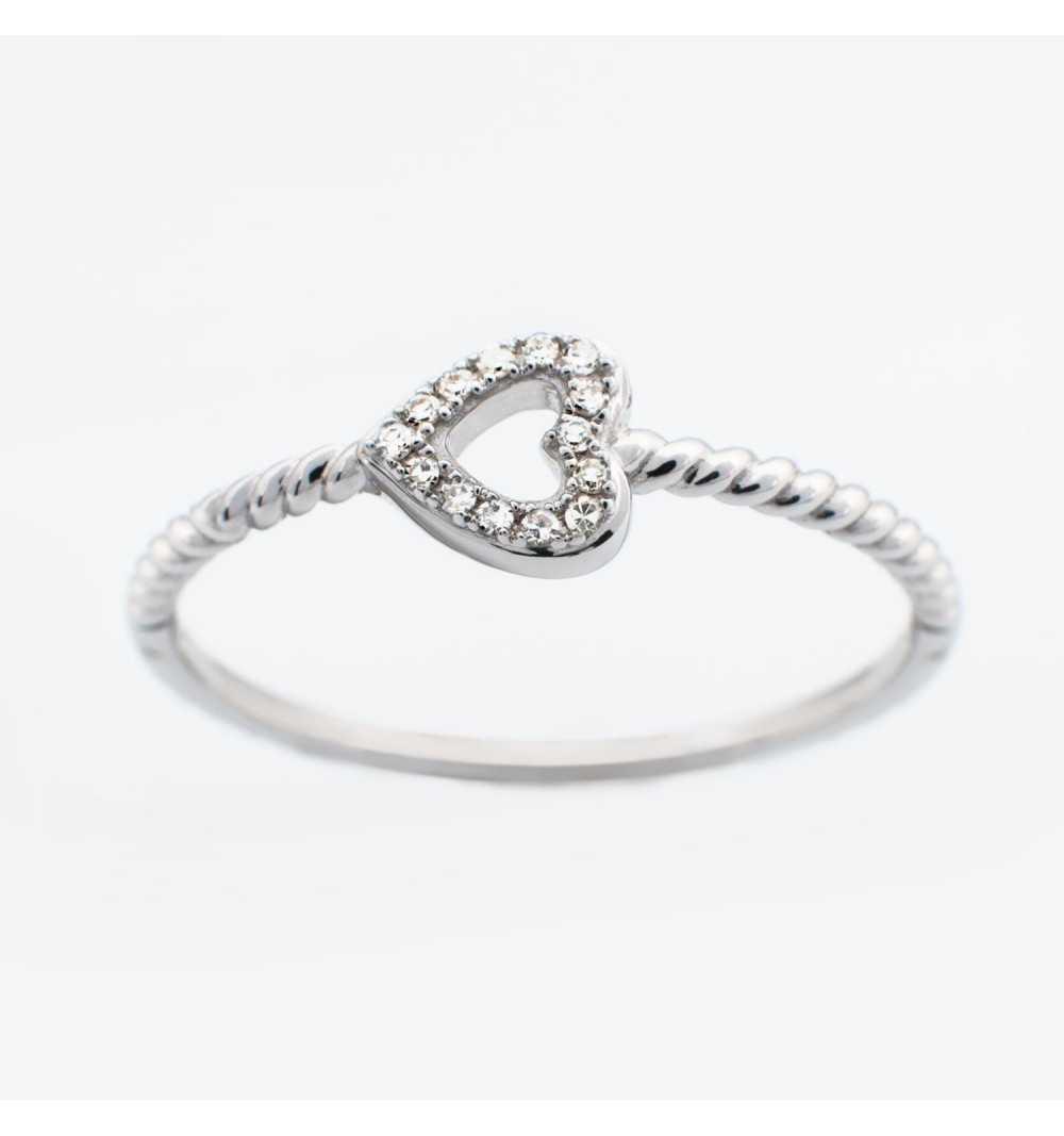 Złoty pierścionek z brylantami 0,03ct