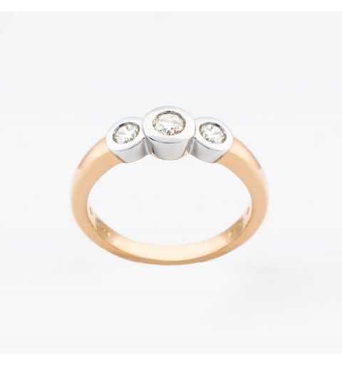 Złoty pierścionek z brylantami 0,31ct