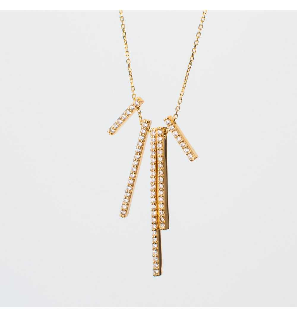 Złoty naszyjnik celebrytka z eleganckimi pałeczkami wysadzanymi cyrkoniami