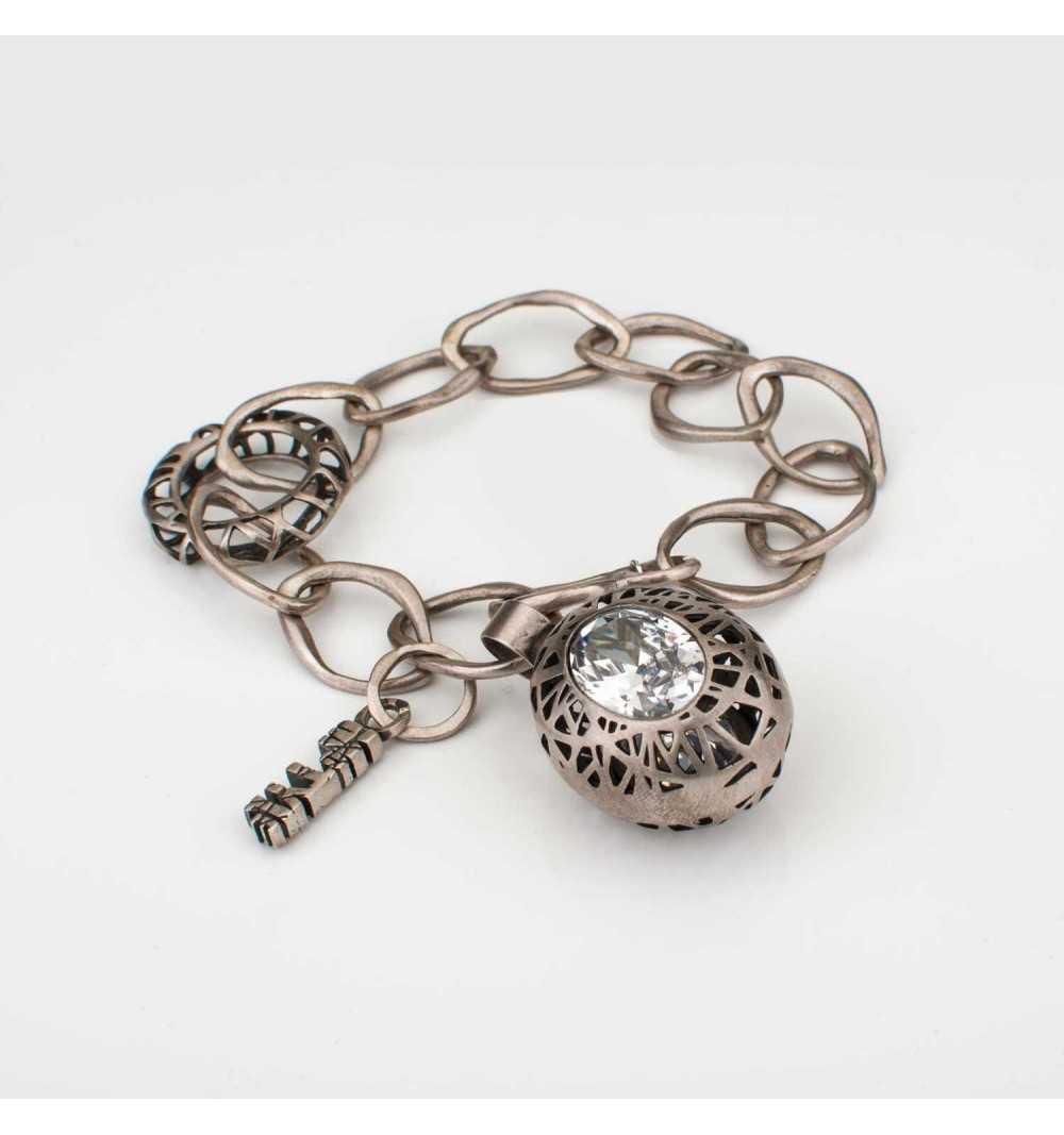 Srebrna bransoletka MOTYLE antyczna szarość z białymi kryształami Swarovskiego