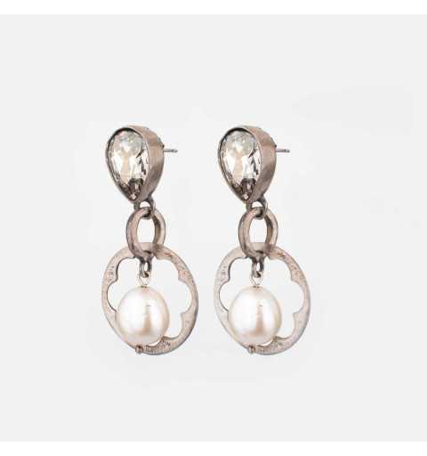 Srebrne kolczyki MOTYLE antyczna szarość z kryształami Swarovskiego i perłami słodkowodnymi