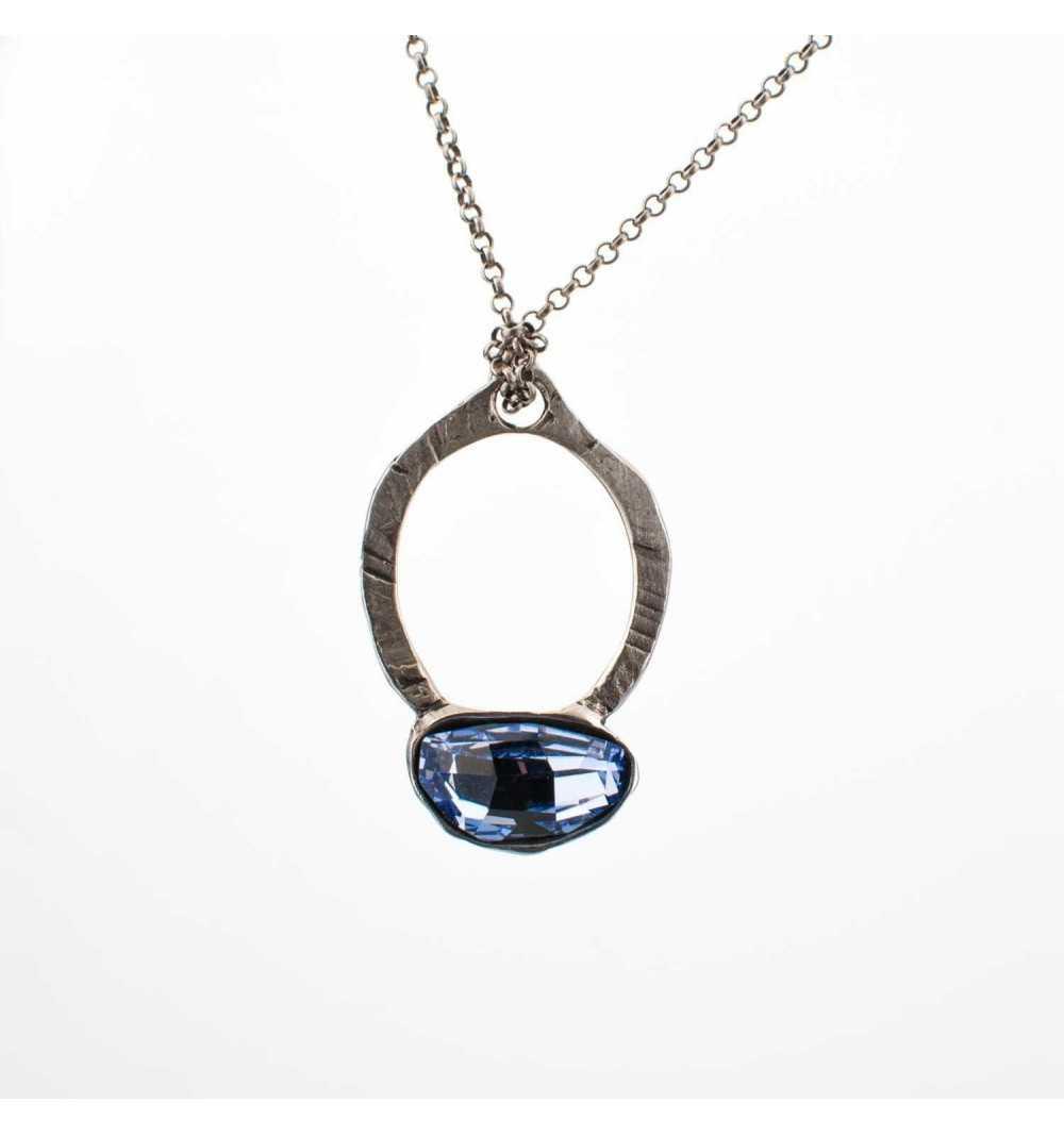 Srebrny naszyjnik MOTYLE antyczna szarość owalny kryształ Swarovskiego