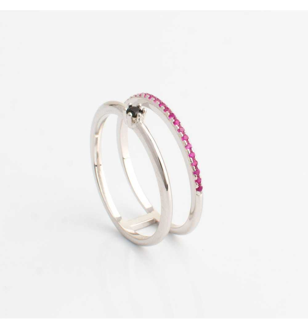 Srebrny pierścionek tunel z rzędem różowych cyrkonii