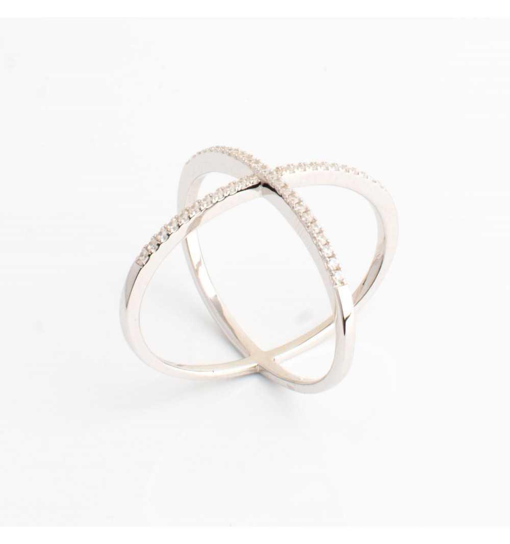 Srebrny pierścionek X białe cyrkonie