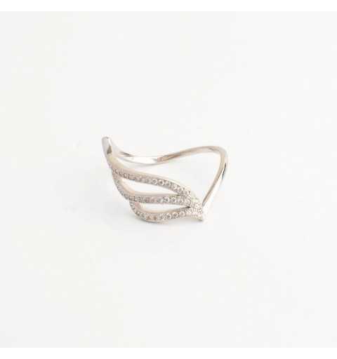 Srebrny pierścionek skrzydło z białych cyrkonii