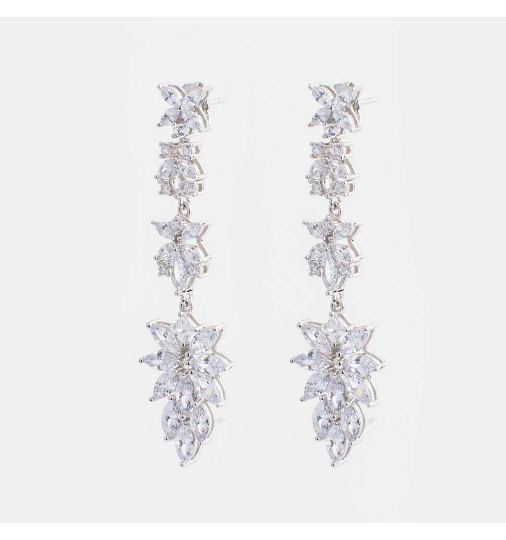 Długie srebrne kolczyki kwiaty