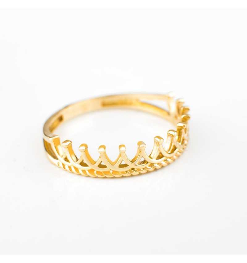 Złoty pierścionek korona