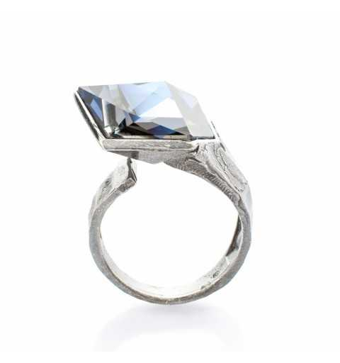 Srebrny pierścionek MOTYLE czarny rod 24 k grafitowy blask z Kryształem Swarovskiego Crystal Sahara