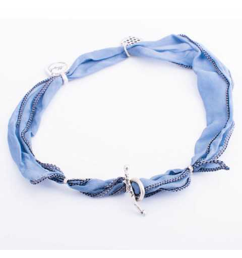 Srebrna bransoletka MOTYLE plaster miodu wykonana z naturalnego jedwabiu w kolorze niebieskim MJS3041