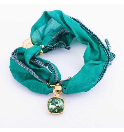 Srebrna bransoletka MOTYLE wykonana z naturalnego jedwabiu w kolorze zielonym z Kryształem Swarovskiego Ernite MJG3029