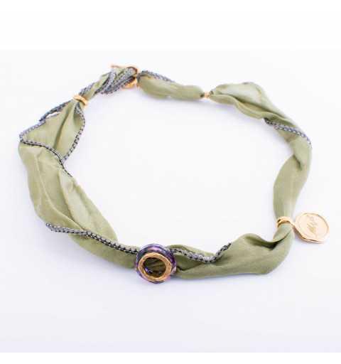 Oliwkowa srebrna bransoletka MOTYLE MJG3043 z naturalnego jedwabiu z Kryształem Swarovskiego Bermuda Blue