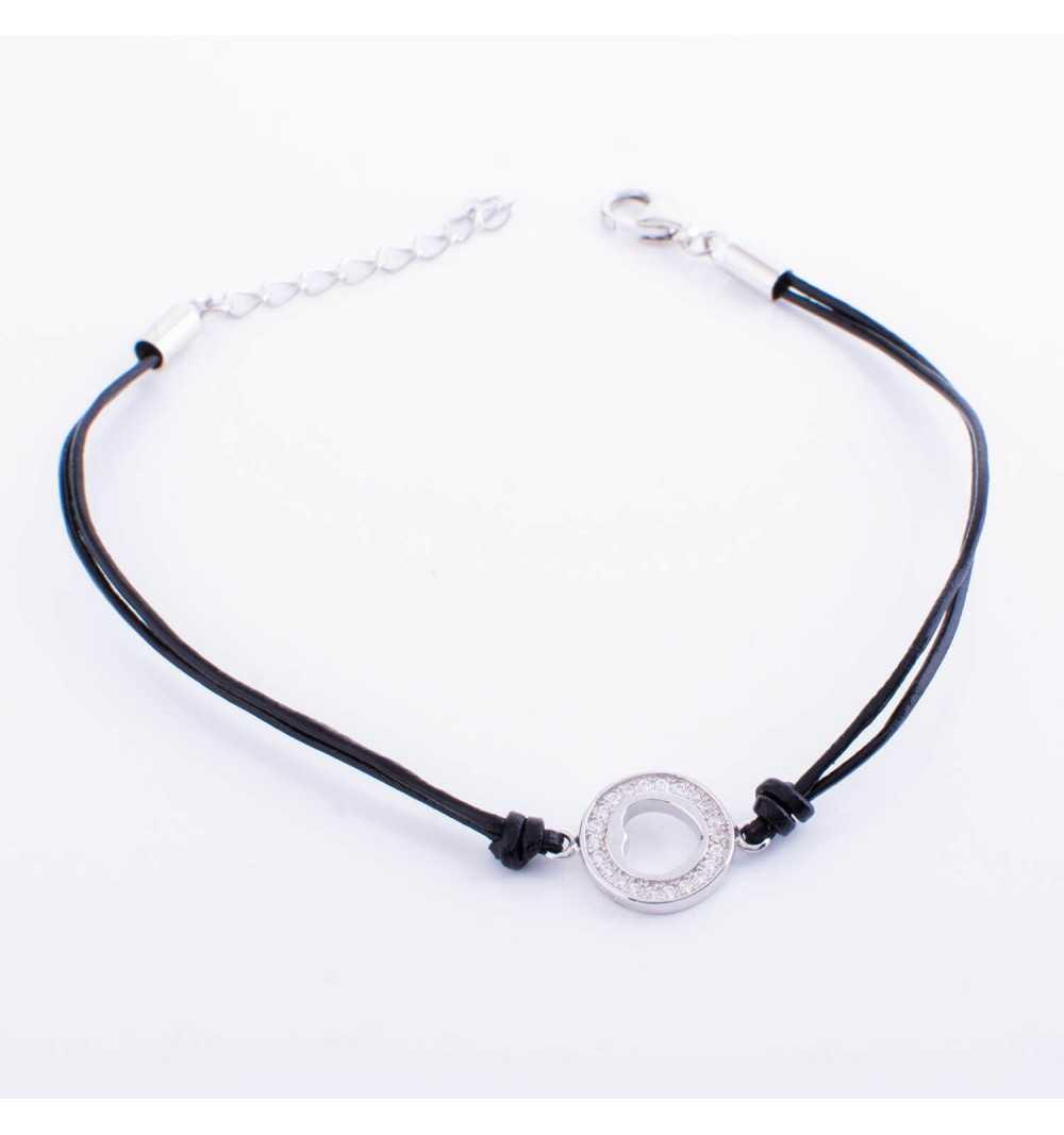 Srebrna bransoletka serce w okręgu na czarnym sznurku