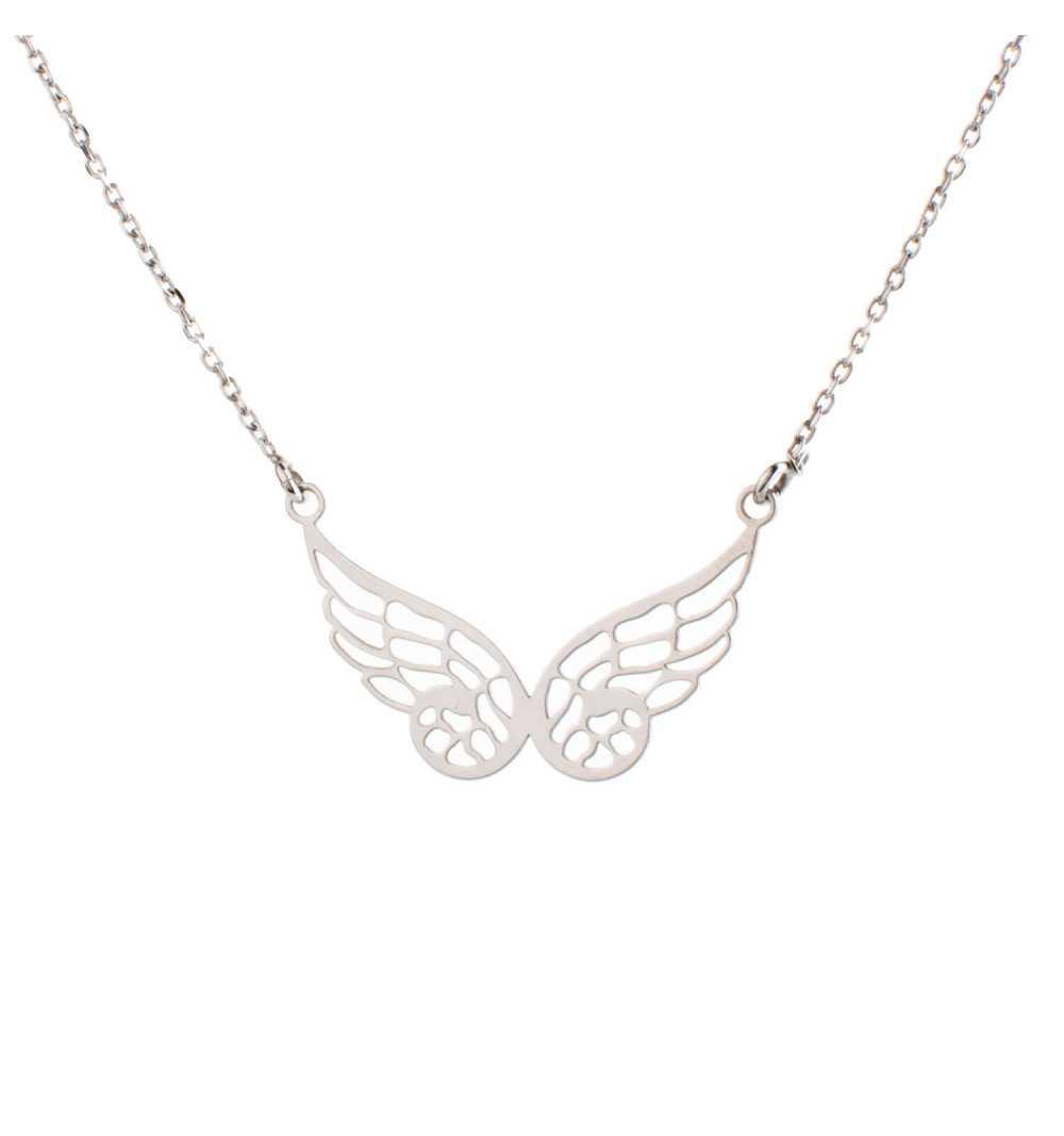 Srebrny naszyjnik z delikatnymi skrzydłami