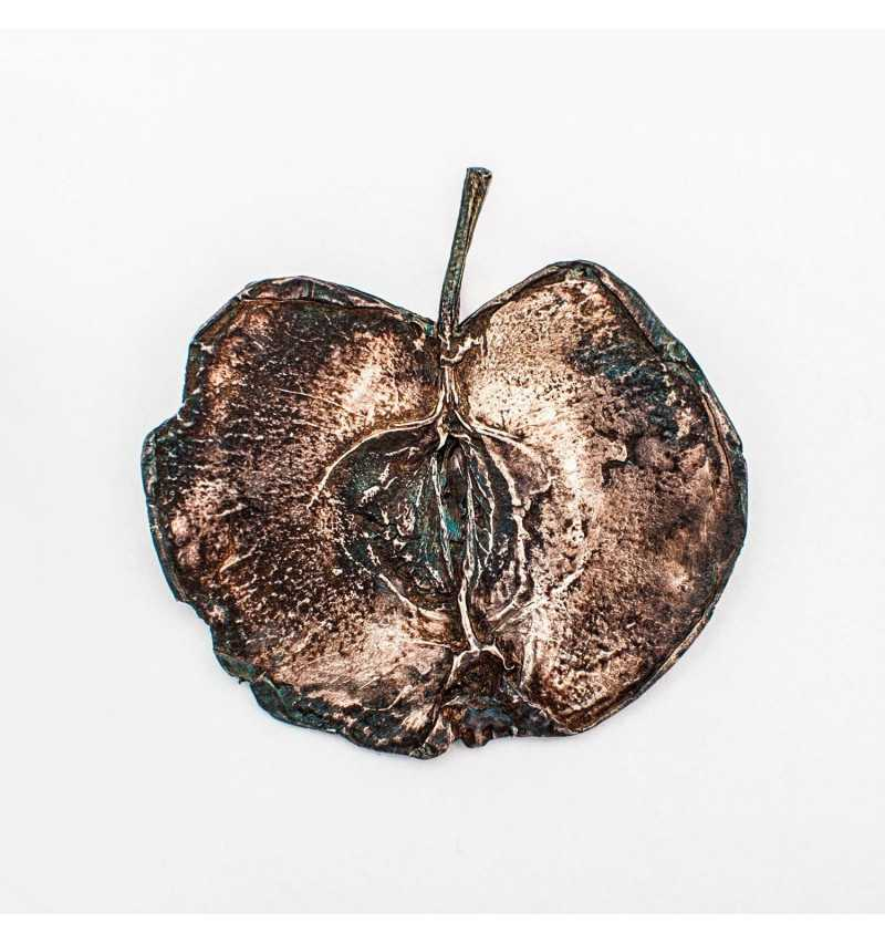 Srebrna broszka jabłko