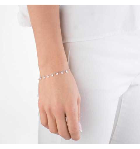 Srebrna bransoletka z zawieszonymi białymi cyrkoniami