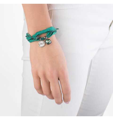 Srebrna bransoletka MOTYLE wykonana z naturalnego jedwabiu w kolorze zielonym z Kryształem Swarovskiego Ernite MJR3029