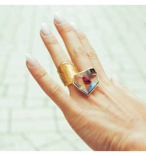 Srebrny pierścionek MOTYLE z kryształem Swarovskiego VOLCANO
