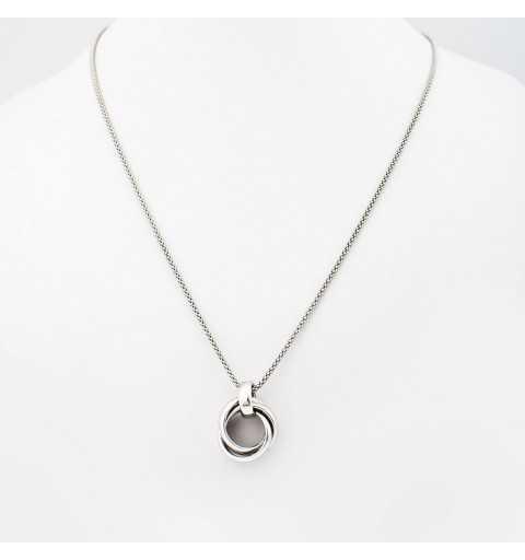 Srebrny naszyjnik z ozdobą z pierścieni