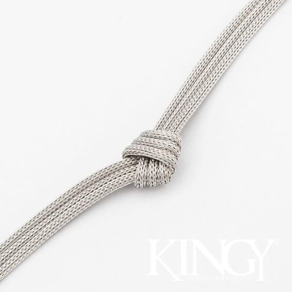srebrna bransoletka z trzech ozdobnie zawiązanych łańcuszków włoski projekt