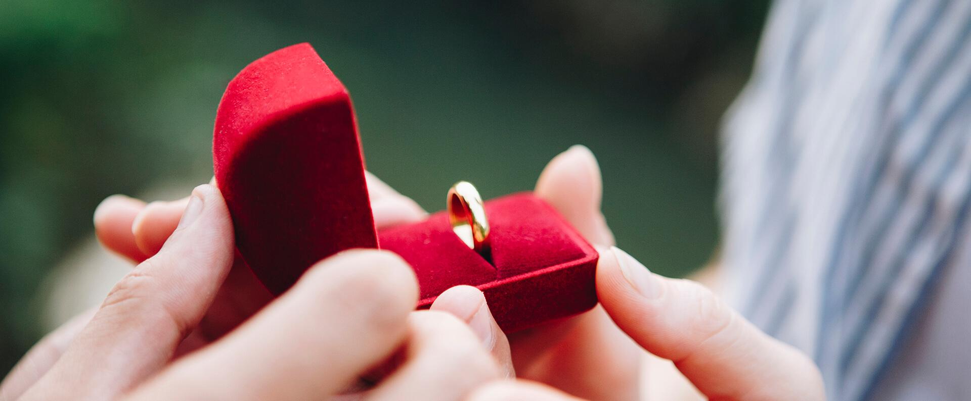 Gdzie Kupić Pierścionek Zaręczynowy Blog O Biżuterii By Kingy