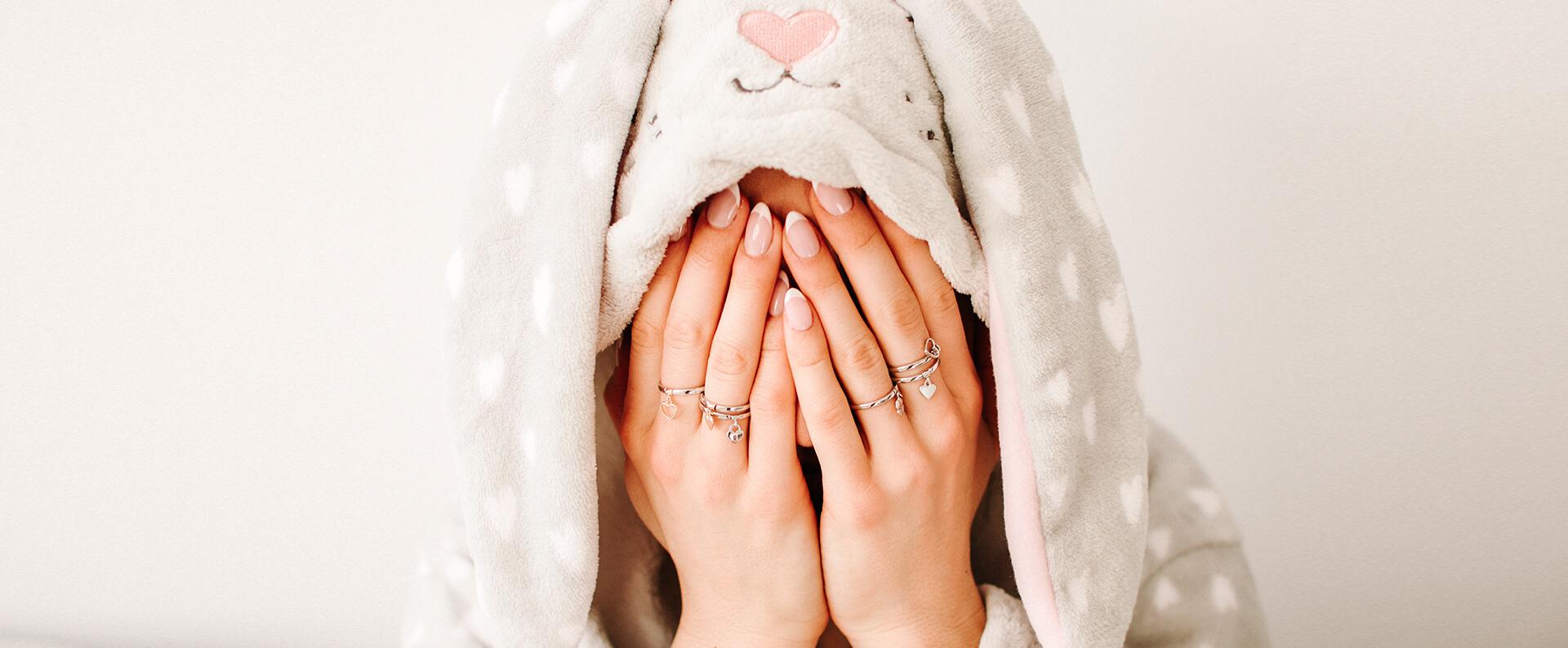 okąłdka artykułu pierścionki z zawieszkami