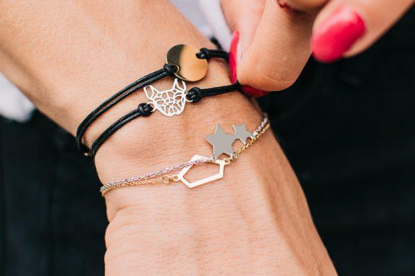 Złota i srebrna biżuteria – czy można ją nosić razem?